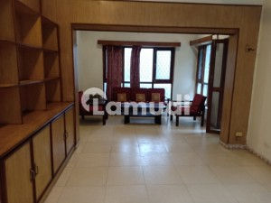 luxury semi furnished house on very prime location available for rent in Islamabad