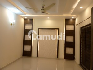 One Kanal Slightly Used Upper Portion For Rent In DHA Phase 6