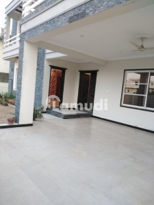 1 Kanal Brand New Beautiful Portion For Rent