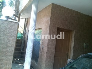 Beautiful Design With Nice Construction 5 Marla House For Sale