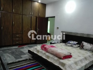 House In Madina Town Sized 7 Marla Is Available