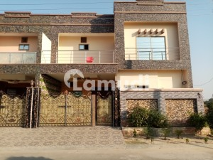Khayaban-e-Manzoor House Sized 6 Marla For Sale