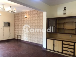 In G-9 House Sized 2700  Square Feet For Rent