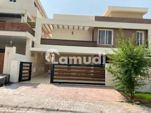 Bahria Enclave Sector C 1 Kanal Beautiful House available for sale in Prime Sector C Reasonable Demand