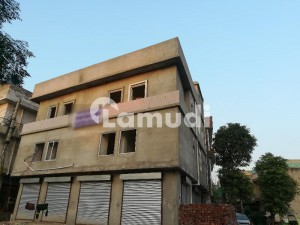 1575  Square Feet Flat Ideally Situated In Gulshan-E-Lahore