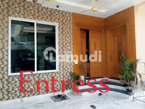 Brand New Portions For Rent In G-9/4 Islamabad