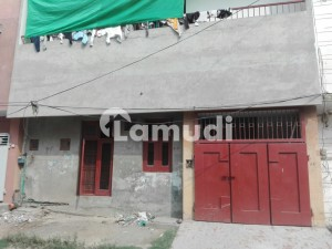 3.5 Marla Lower Portion In Central Sheikh Colony For Rent