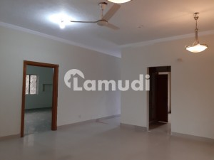 F112 Triple Storey House For Sale Good Location Near Park Size 444 Sy All Most New House