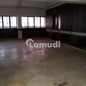 3rd Floor 1 Kitchen 6 Washroom Office Is Available For Rent