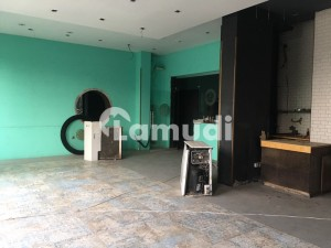 Hot Location Commercial Plaza For Rent Best Place For Business