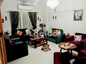 2000  Square Feet Flat Is Available For Sale