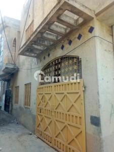 Stunning 900  Square Feet House In Fateh Garh Town Available