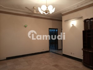 1 Kanal Upper Portion With 3 Bedrooms Available On Rent