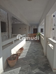 In Clifton 2200  Square Feet Flat For Rent