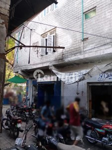 Shop Of 225  Square Feet Available In Shahi Road