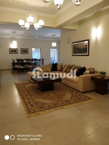 Beautiful Fully Furnished 2 Bedroom Luxury Apartment