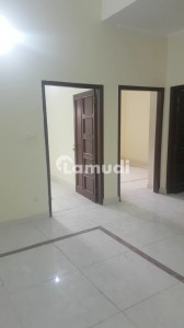 1450  Square Feet Flat Is Available In University Town