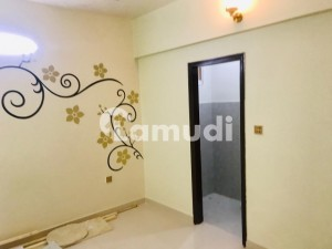 2 Bed Drawing Flat With Roof