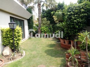 One Kanal House For Sale In Dha Near Commercial