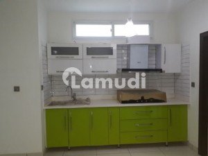 3 Bed Dd 2nd Floor Flat Like Brand New For Rent