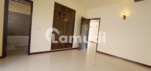 10 Marla Like Brand New House For Sale Prime Location