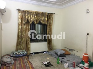 2250  Square Feet Upper Portion In Central University Town For Rent