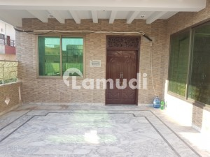 Good 1800  Square Feet Upper Portion For Rent In Bani Gala