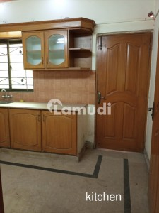 8 Marla Lower Portion For Rent In Ali Park Lahore