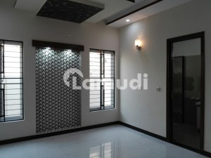 5 Marla House In Raiwind Road Is Available