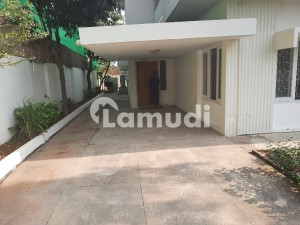 A Decent House 500 Sq yd F7  3 Beds Single Storey Is Available For Rent