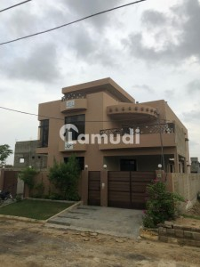 Lower Portion Is Available For Rent In Scheme 33 - Sector 52-a