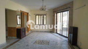 Upper Portion For Rent Beautiful Location Upper Portion