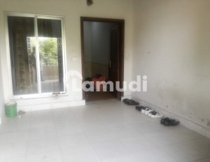 Perfect 375 Square Feet Room In Raiwind Road For Rent