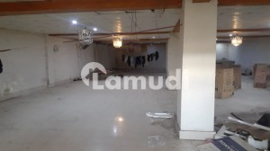 18 Marla Commercial Building Available For Rent At Good Price