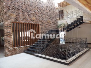 BRAND NEW BANGLOW IN F7 FOR SALE