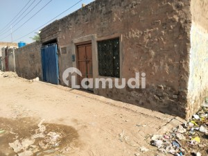 In Mianwali Road Building Sized 4050  Square Feet For Sale