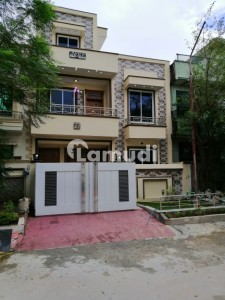 600 Gzd House For Sale In G-11/3