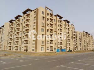 950 Square Feet Flat Is Available In Bahria Town Karachi