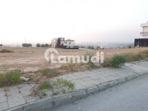 10 Marla Plot At An Ideal Location Of G Block Urgent For Sale
