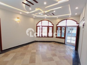 Fully Renovated 3 Beds Independent Luxury Upper Portion