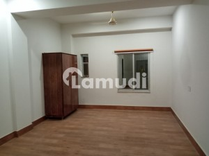 BRAND NEW APPARTMENT FOR RENT in K.B COLONY.