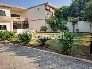 A Decent House 1800 Sq  Yrds F6 Is Available For Sale