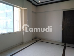Flat Of 1100 Square Feet In DHA Defence For Sale