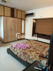Upper Portion Of 2250  Square Feet For Rent In Model Town
