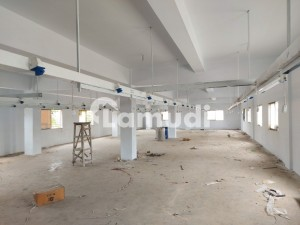Factory For Rent 500 Yard  50kw Light Marble  Floors  Near Road Loction  For Rent