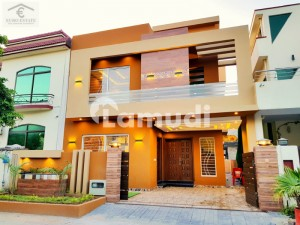 Designer 10 Marla House For Sale In Bahria Town