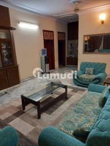 1 Kanal Beautiful Luxurious House Available for Sale