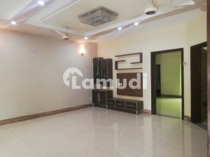 8 Marla Upper Portion For Rent In Umar Block Sector B Bahria Town Lahore