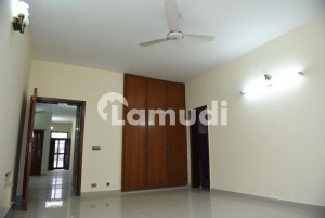 1 Kanal Upper Portion for Rent in Phase 3 Separate Gate
