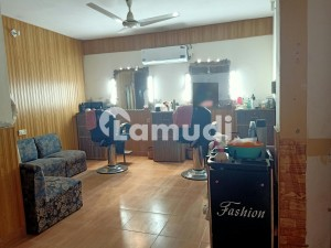 In New Model Town 1.5 Marla Shop For Rent